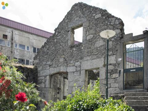 Ruínas Para Reconstrução