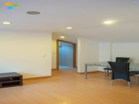 Prédio Com Apartamentos Equipados E Mobilados