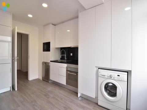 Apartamento T2 Remodelado junto à Avenida da República