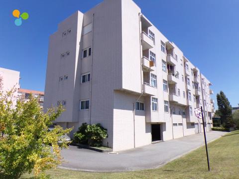 Apartamento T2 com boa exposição Solar