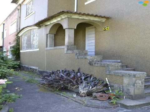 Viviendas Adosadas en barrio 5 habitaciones