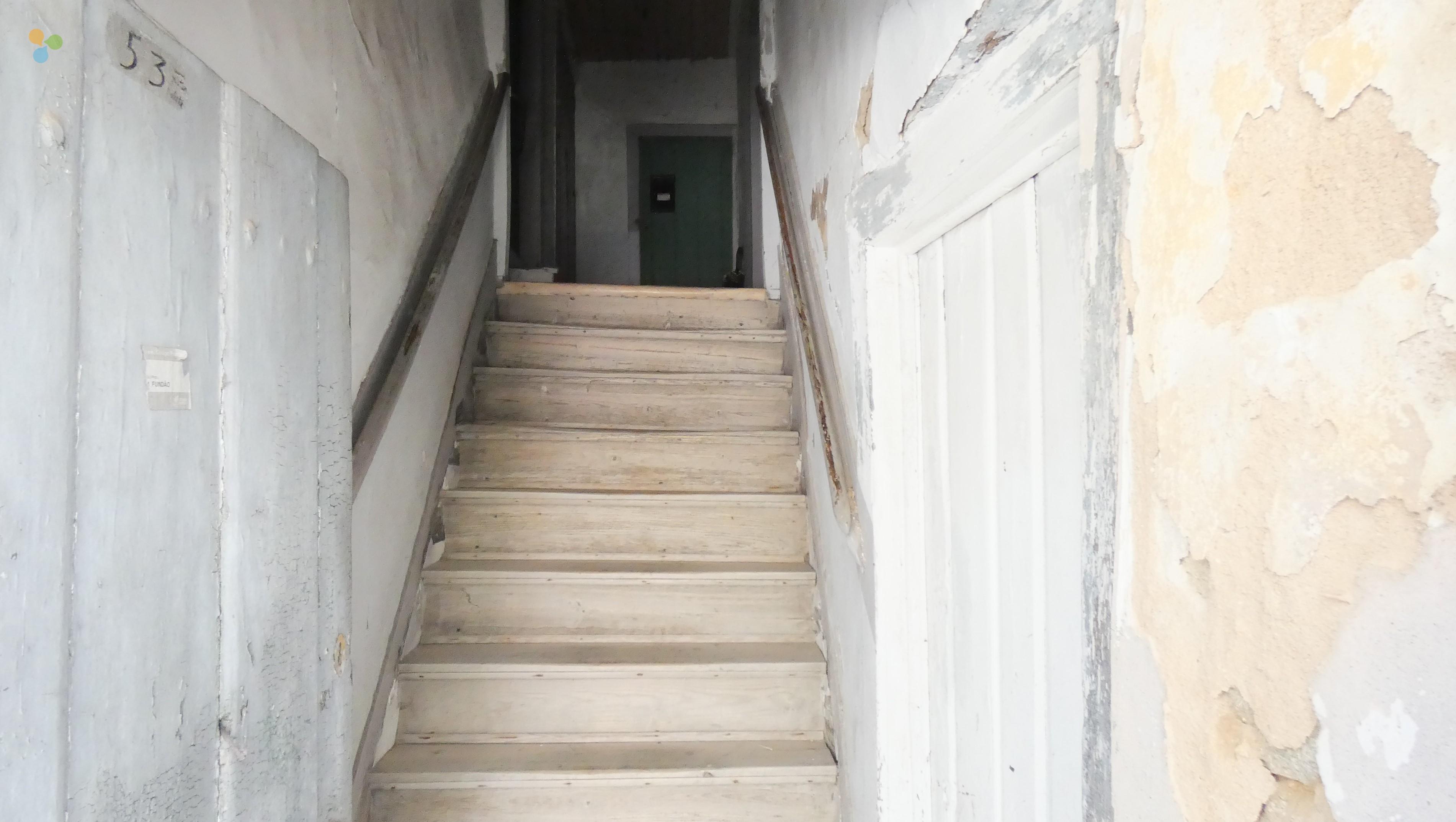 Escadas de Acesso