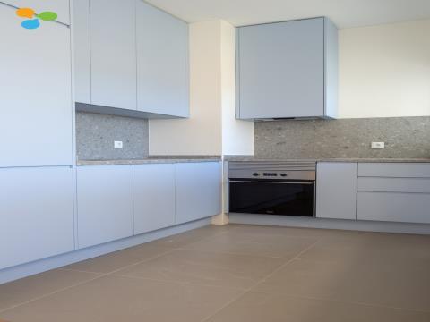 Apartamento T3 Paranhos c/ varanda e 2 lugares de garagem