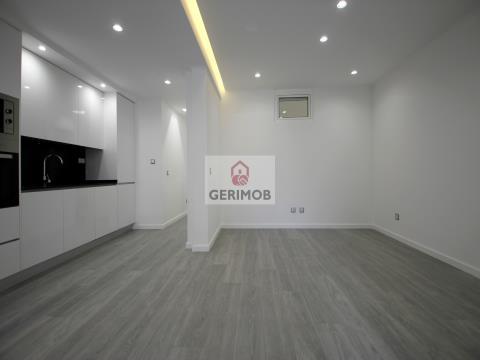 3-bedroom Apartment FULLY REFURBISHED in Graça