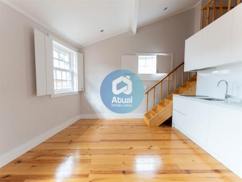 Flat T0 +1 renovated, Sell, in the historic centre, Guimarães