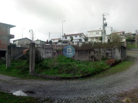 Terreno com Possibilidade 2 T3 Tipo Andar Moradia, Venda, Moreira de Cónegos, Guimarães