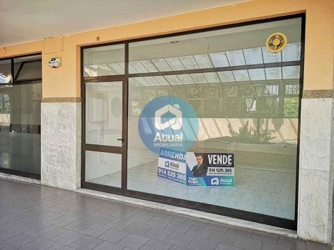 Loja Comercial para Venda C. C. Passerelle Taipas Guimarães