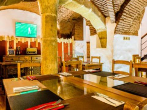 Restaurante no Centro Histórico de Évora para trespasse