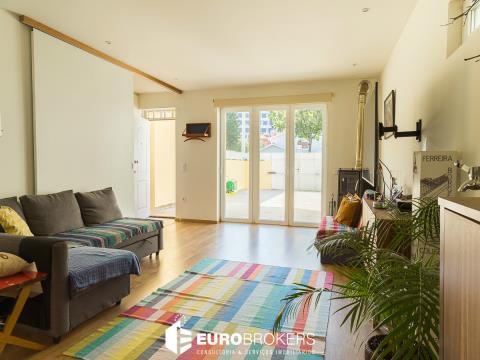 Moradia T3 duplex com garagem no Porto