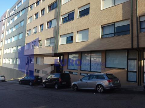 T1 em Mafamude junto ao Metro e Centro de Saúde