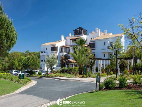 Pine Cliffs Suites - Apartamentos de Luxo em Resort Cinco Estrelas