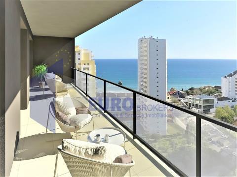 Apartamento T2 Novo em Condomínio de Luxo na Praia da Rocha