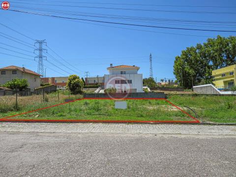 Lote de terreno em Olival p/ construção de moradia
