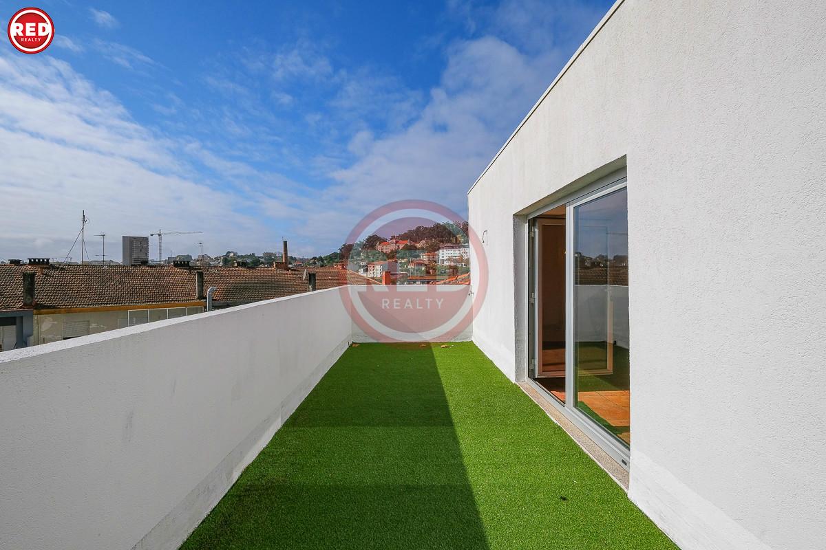 T2+1 Duplex c/ terraço ao Estádio do Dragão