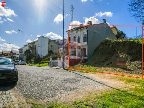 Lote de terreno para construção de moradia a 3 min. de Santo Ovídio