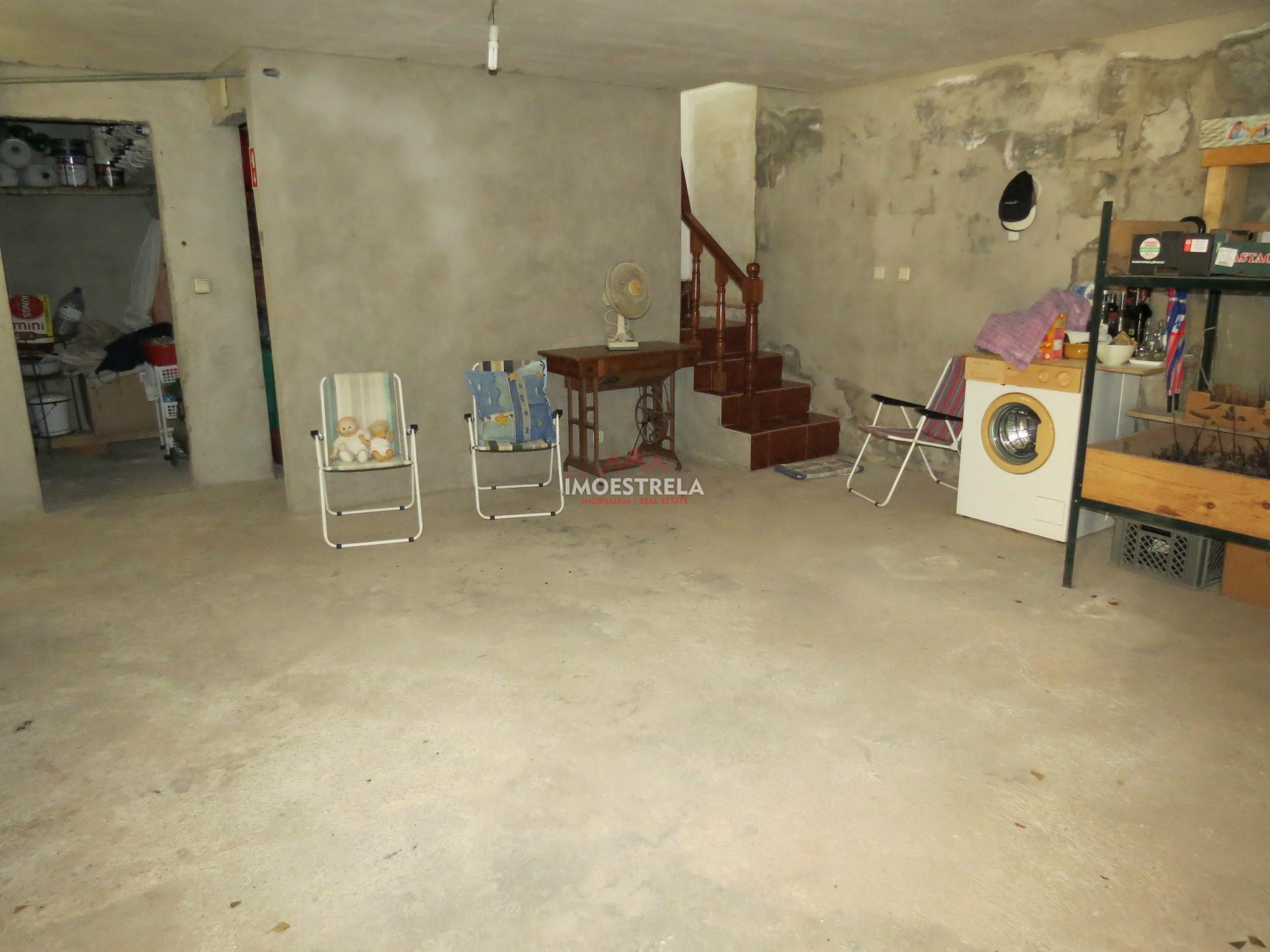 Moradia T5 com Alojamento Local instalado a funcionar