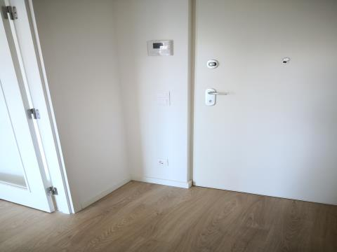T1 com 68,50 m2 com Varanda - Venda - Novo