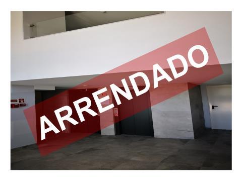 T1 com 70,90 m2 - Arrendamento - Novo