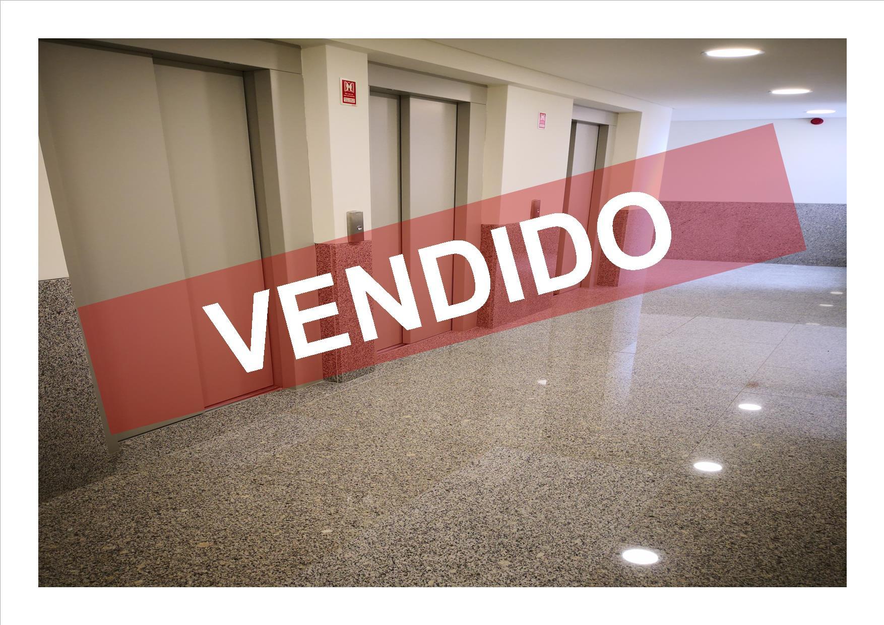 T1 - VENDA - NOVO - COM 1 LUGAR DE ESTACIONAMENTO E ARRECADAÇÃO
