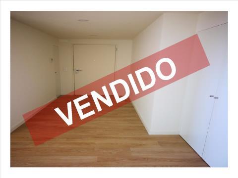 T2 - VENDA - NOVO - COM 1 LUGAR DE ESTACIONAMENTO E ARRECADAÇÃO