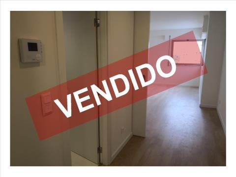 T1 - VENDA - COM 1 LUGAR DE ESTACIONAMENTO E ARRECADAÇÃO