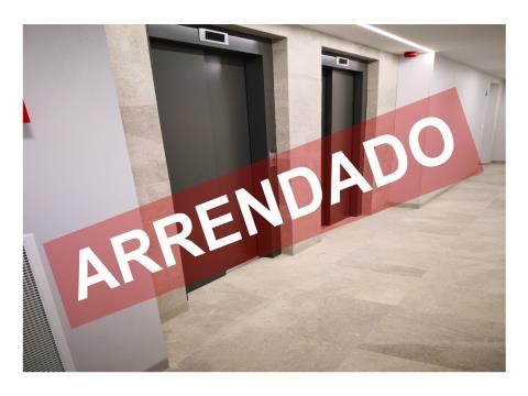 T2- ARRENDAMENTO - NOVO - 94,20 M2 - LUGAR DE ESTACIONAMENTO E ARRECADAÇÃO