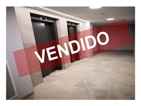 T2- VENDA - NOVO - 96,60 M2 - ESPAÇO DUPLO DE ESTACIONAMENTO E ARRECADAÇÃO