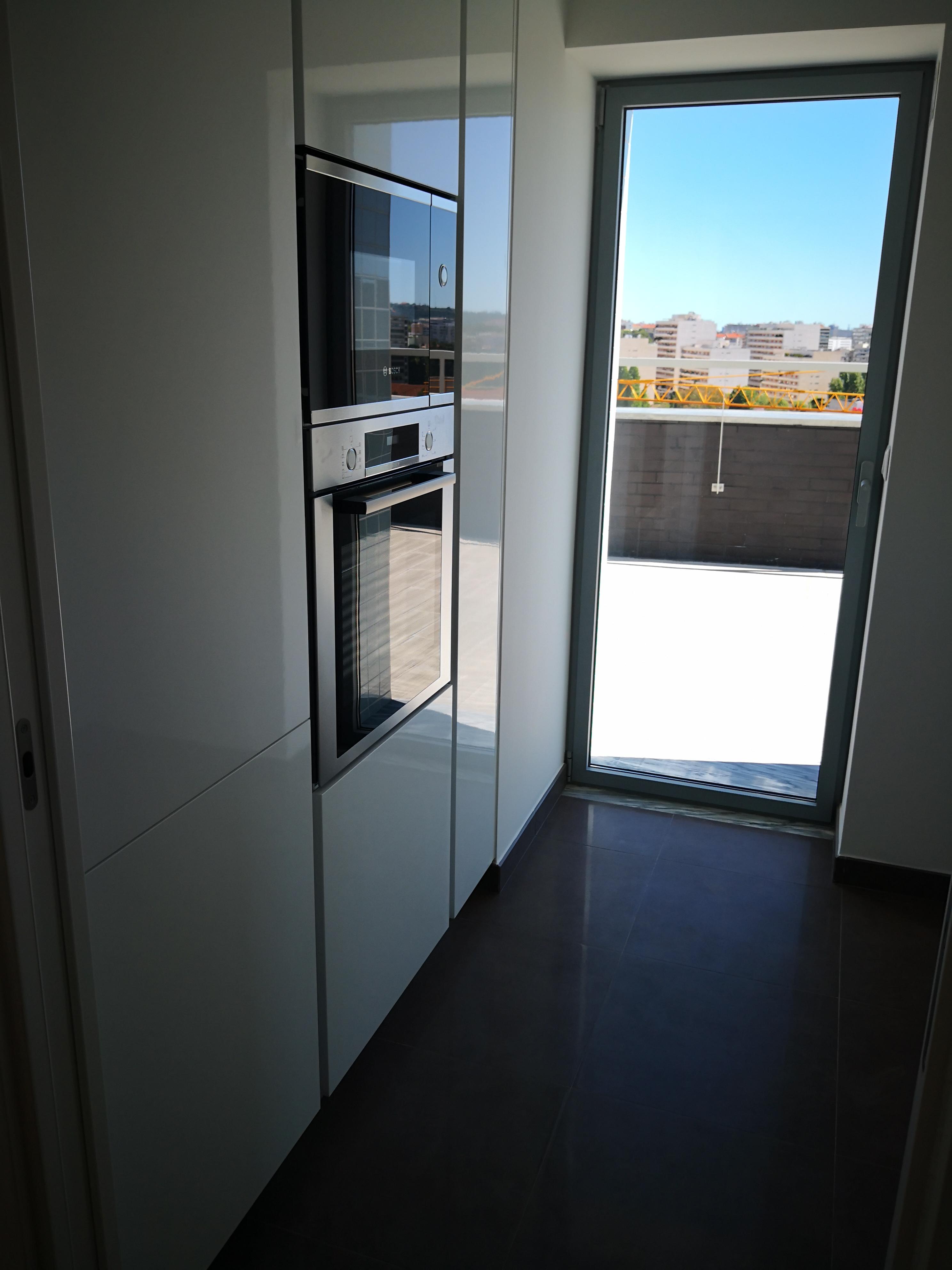 T2 Duplex com 145,05 m2 + Terraço com 69,70 m2 - Venda - Novo