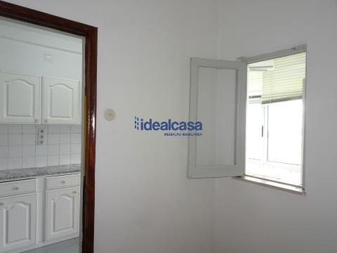 Arrenda apartamento T2 em Coimbra,  perto dos HUC- Celas