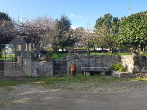 Quintinha à entrada da cidade de Famalicão