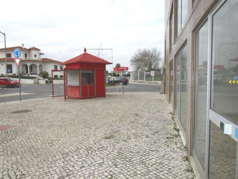 Espaço comercial com 123m2 no Bombarral