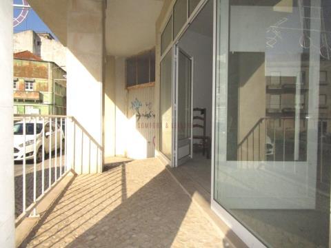 Espaço comercial com 345 m² no centro das Caldas da Rainha