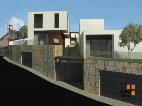 Moradia T4 - Condomínio fechado - Oliveira do Douro - ZM259A