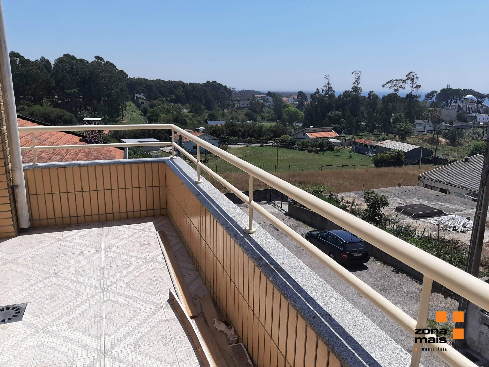T3 c/ terraço - 4 frentes - Praia do Canidelo - Vila Nova de Gaia - ZM311