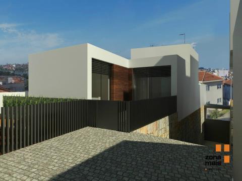 Moradia T3 - Condomínio fechado - Oliveira do Douro - ZM259C