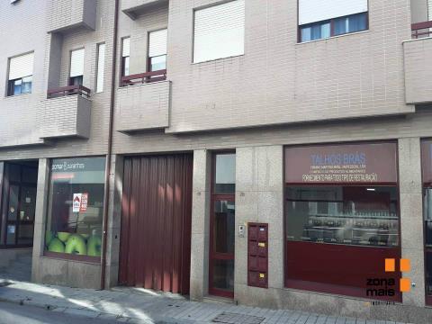 T2 c/ terraço - Arrendamento - Parque do Covelo - ZM358