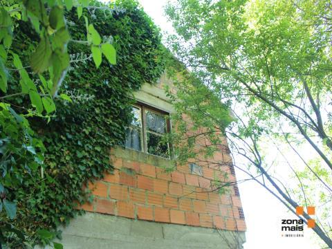 Casa com terreno, paisagens amplas, bons acessos
