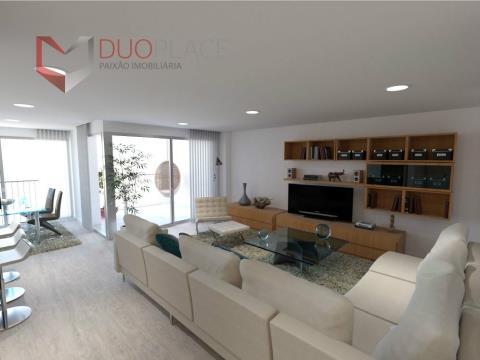 Apartamento T3 com parqueamento e arrecadação, com acabamentos de qualidade no Montijo