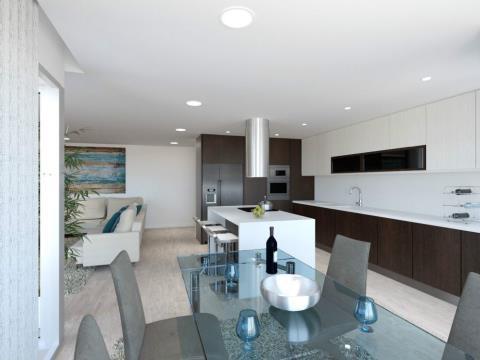 Apartamento T3+1 com box e terraço com 54 m2, com acabamentos de qualidade no Montijo