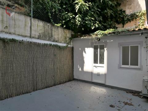 Excelente apartamento T4 na Penha de França, com logradouro de uso exclusivo!