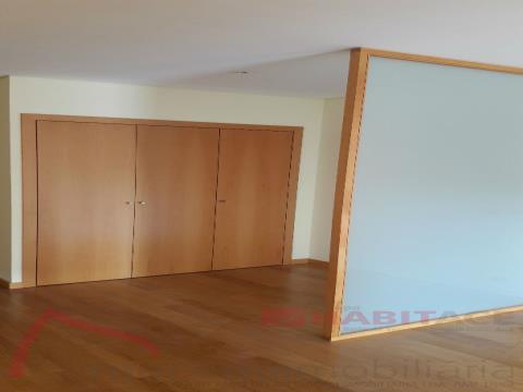 Wohnung 4+1/2 Schlafzimmer