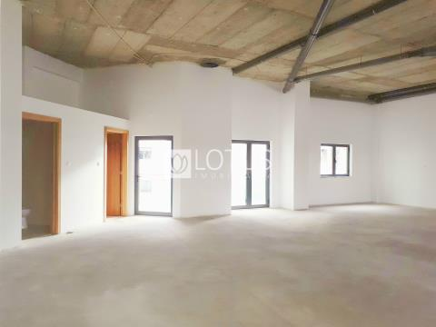 Commercial property in Odivelas