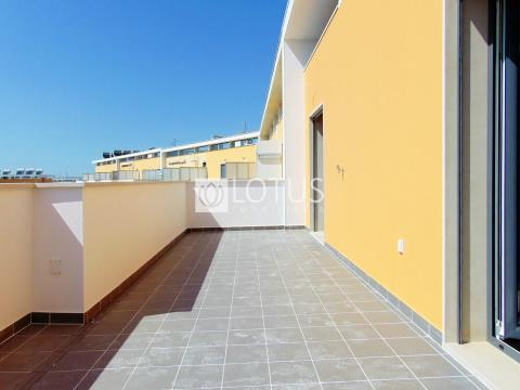 Montijo: With River view, Duplex 3+2 Bedrooms with 2 terraces (29m2 and 20m2)