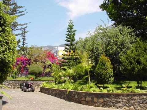 LUXURY FARMHOUSE WITH SEA VIEWS AND MOUNTAINS FOR SALE IN ISLA DA MADEIRA