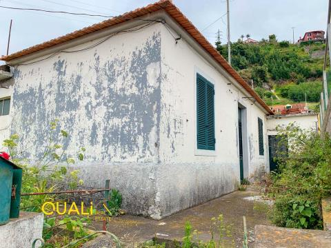 Casa 2 habitaciones para reconstruir en Monte - Isla de Madeira