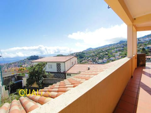 House 3 Bedrooms in Santo António - Funchal - Madeira Island.