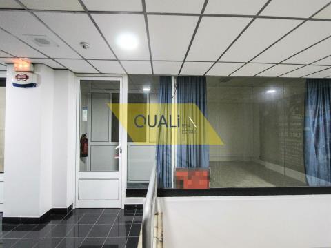 Arrendamento - 27 m2 - Funchal - €220,00