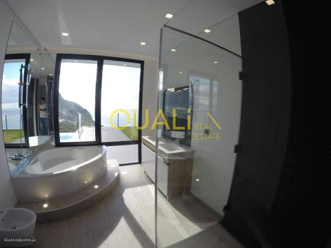 Villa mit 3 Schlafzimmern in Calheta - €750.000,00