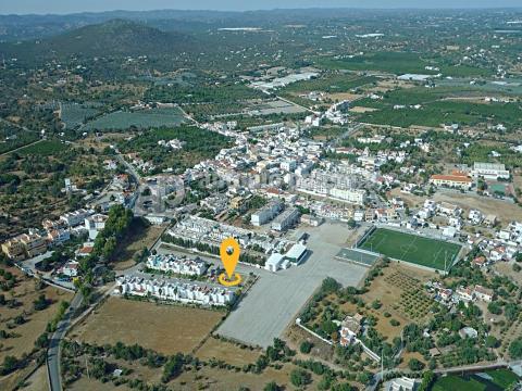 Moradia V3+1 em construção para venda em Moncarapacho