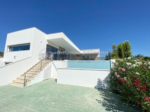 Excellent 3+1 bed villa of contemporary architecture for sale
